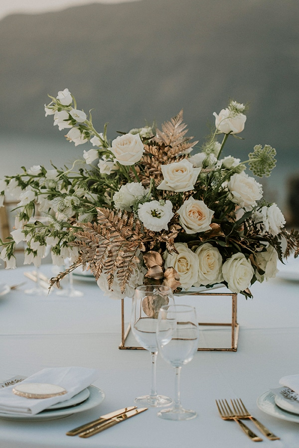 autumn-fairytale-wedding-santorini-island-most-dreamy-views_31