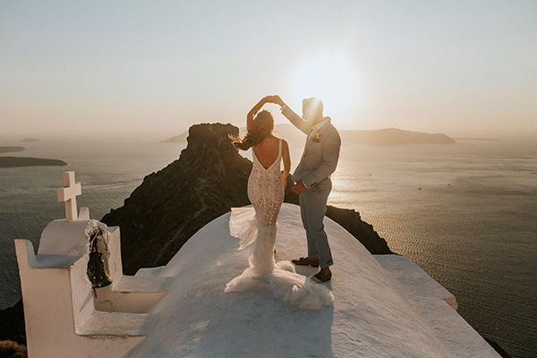 autumn-fairytale-wedding-santorini-island-most-dreamy-views_41