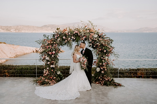 gorgeous-wedding-athens-whimsical-pastel-blooms_02x