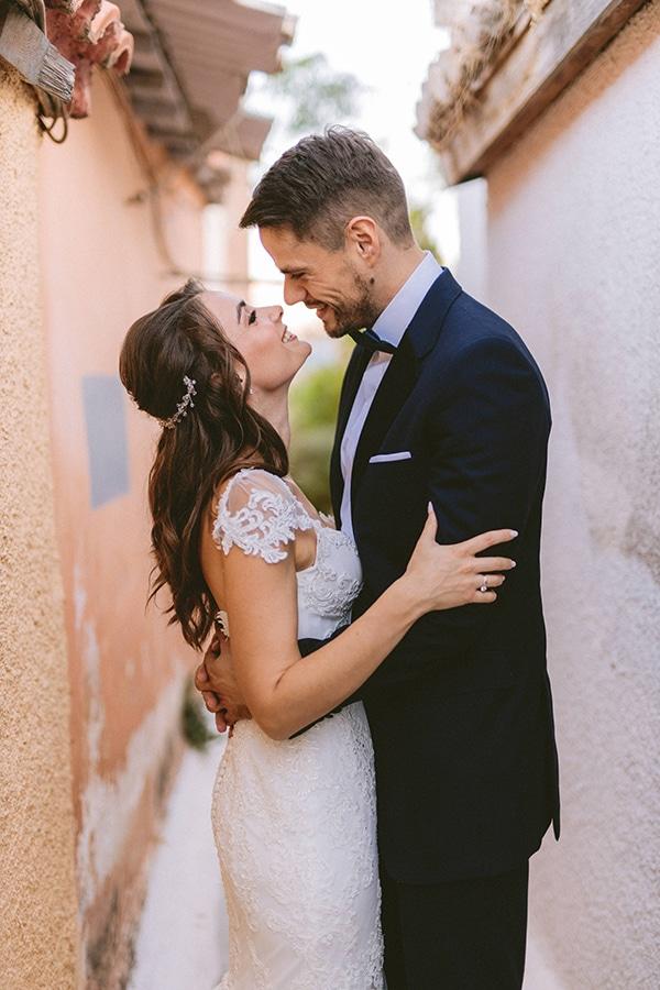 romantic-fall-wedding-athens-white-coral-hues_02