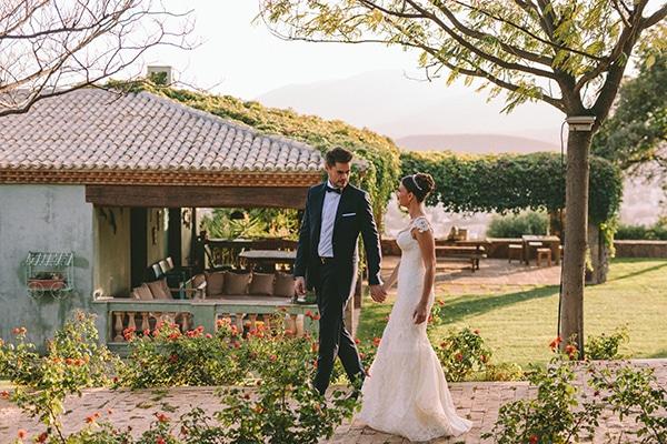 romantic-fall-wedding-athens-white-coral-hues_44