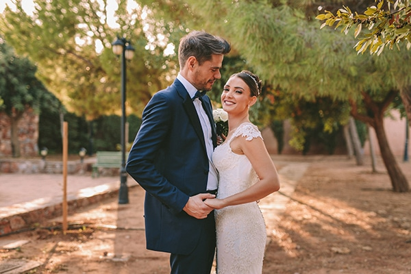 romantic-fall-wedding-athens-white-coral-hues_50