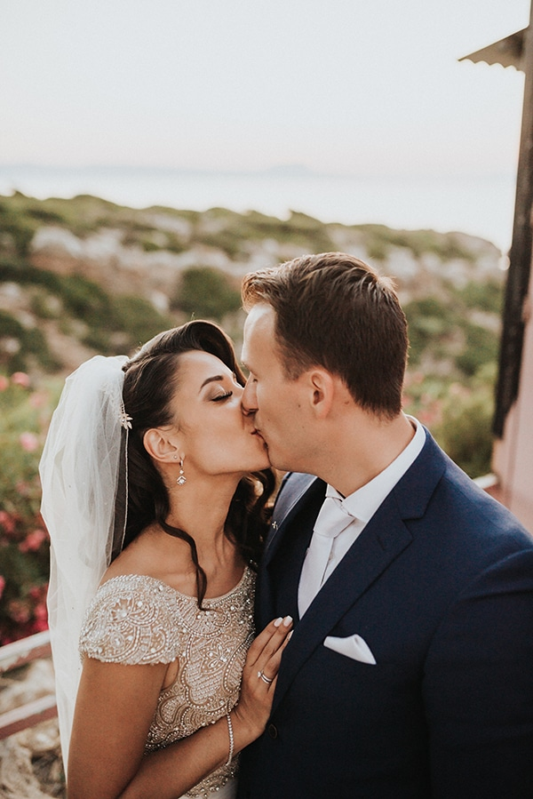 traditional-summer-wedding-crete-callas-peonies_02