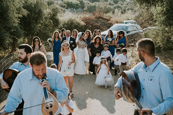 traditional-summer-wedding-crete-callas-peonies_07x