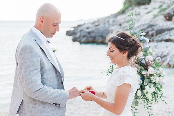 romantic-beach-elopement-Lefkada-island_01