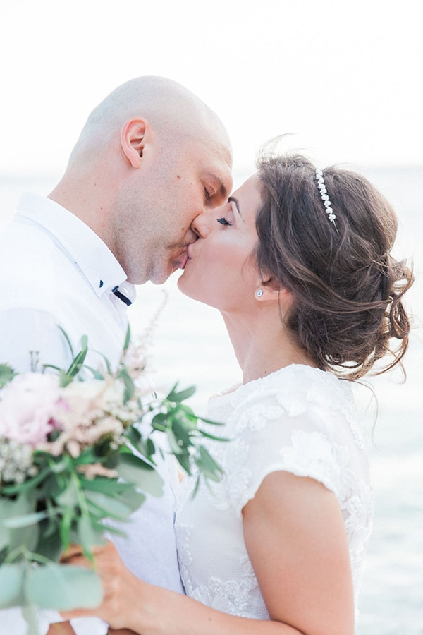 romantic-beach-elopement-Lefkada-island_01x
