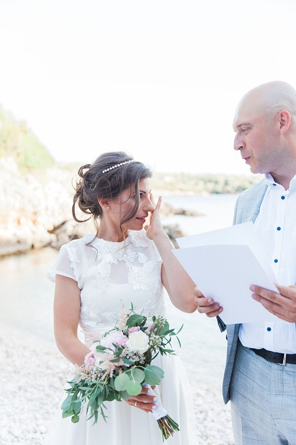romantic-beach-elopement-Lefkada-island_05