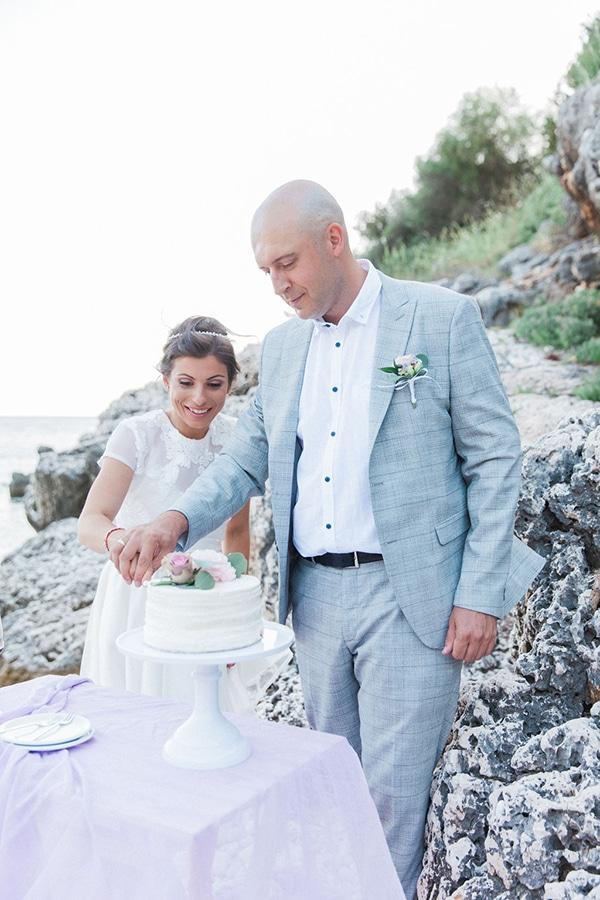 romantic-beach-elopement-Lefkada-island_07