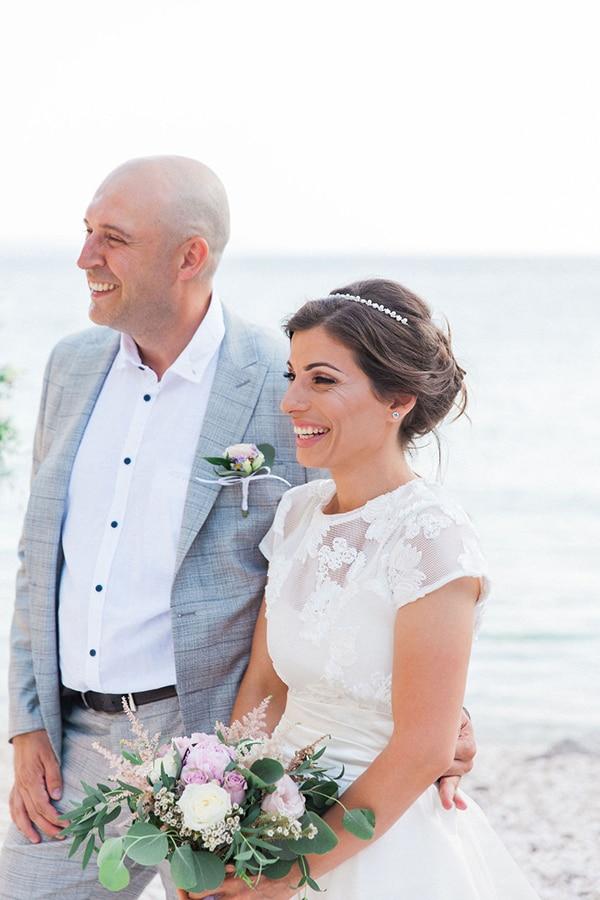 romantic-beach-elopement-Lefkada-island_09