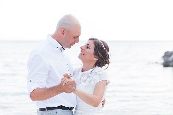 romantic-beach-elopement-Lefkada-island_10