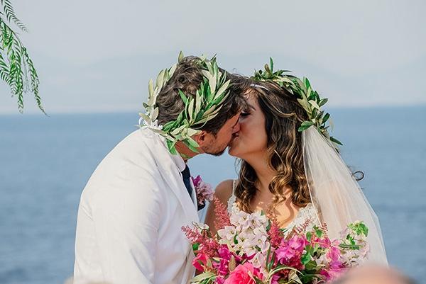 romantic-summer-wedding-kefalonia-bougainvillea_07