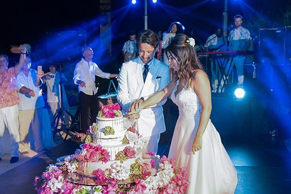romantic-summer-wedding-kefalonia-bougainvillea_13