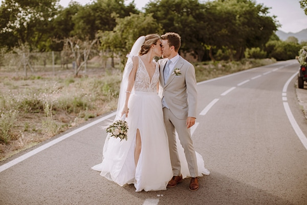 Rustic chic wedding in Spain in earthy tones ? Laura & Genís