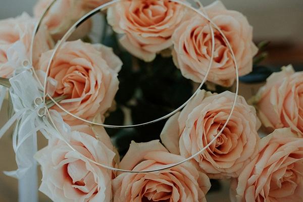ultimate-romantic-wedding-anassa-hotel-lush-blooms-dusty-blue-tones_05