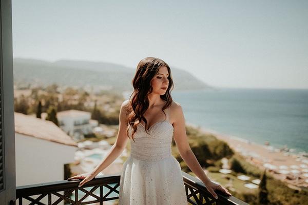 ultimate-romantic-wedding-anassa-hotel-lush-blooms-dusty-blue-tones_09