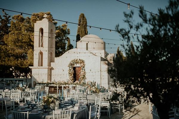 ultimate-romantic-wedding-anassa-hotel-lush-blooms-dusty-blue-tones_13