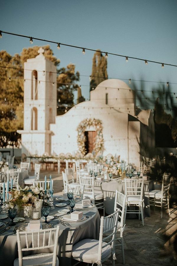 ultimate-romantic-wedding-anassa-hotel-lush-blooms-dusty-blue-tones_31