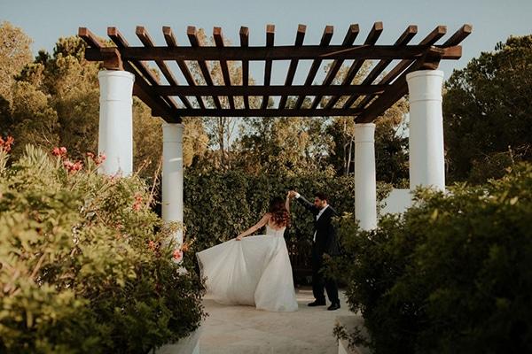 ultimate-romantic-wedding-anassa-hotel-lush-blooms-dusty-blue-tones_45