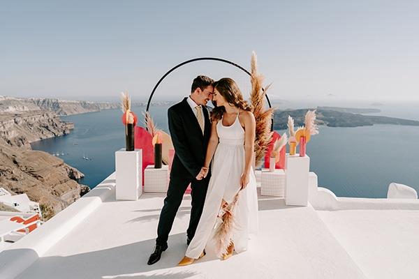 utterly-romantic-elopement-santorini-modern-details_01