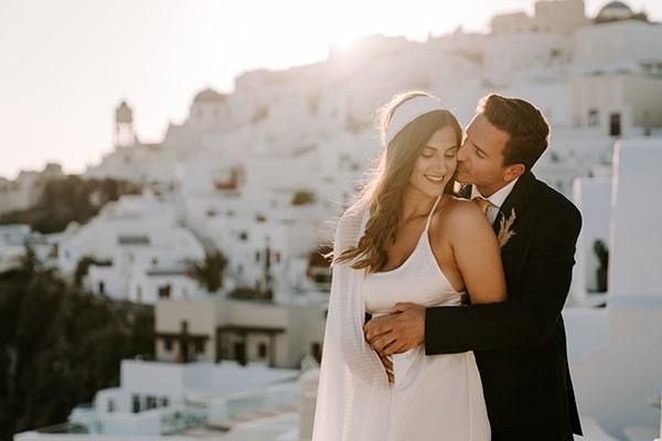 utterly-romantic-elopement-santorini-modern-details_02x
