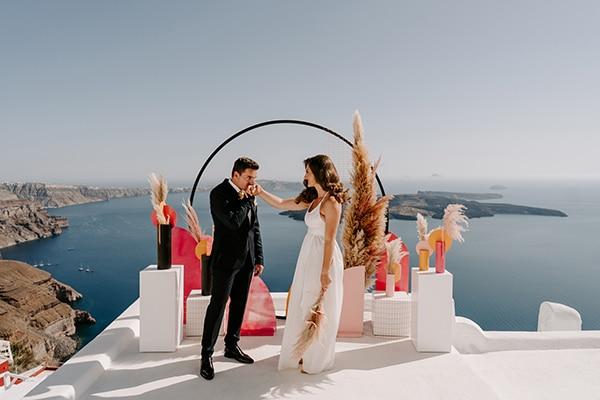 utterly-romantic-elopement-santorini-modern-details_08