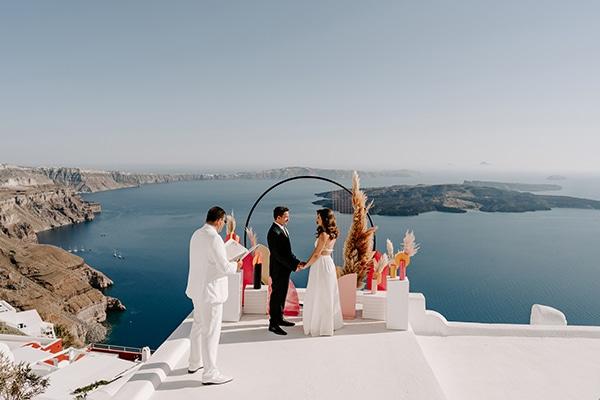 utterly-romantic-elopement-santorini-modern-details_09