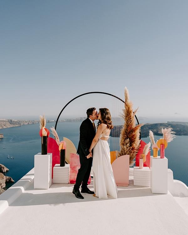 utterly-romantic-elopement-santorini-modern-details_11