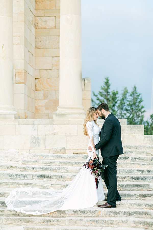 Chic and moody wedding in Nicosia with lush florals and modern elements? Christina & Dimitris