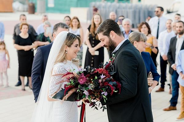 chic-moody-wedding-nicosia-llush-florals-modern-elements_16