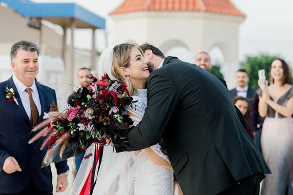 chic-moody-wedding-nicosia-llush-florals-modern-elements_17