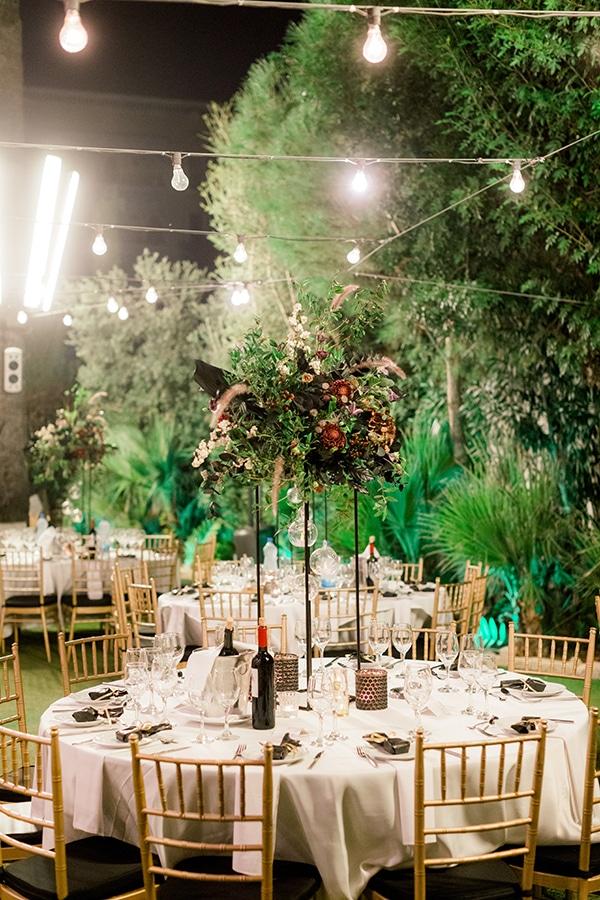chic-moody-wedding-nicosia-llush-florals-modern-elements_31