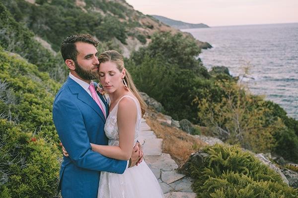 dreamy-destination-wedding-greece-vibrant-pops-bougainvillea-blossoms_01