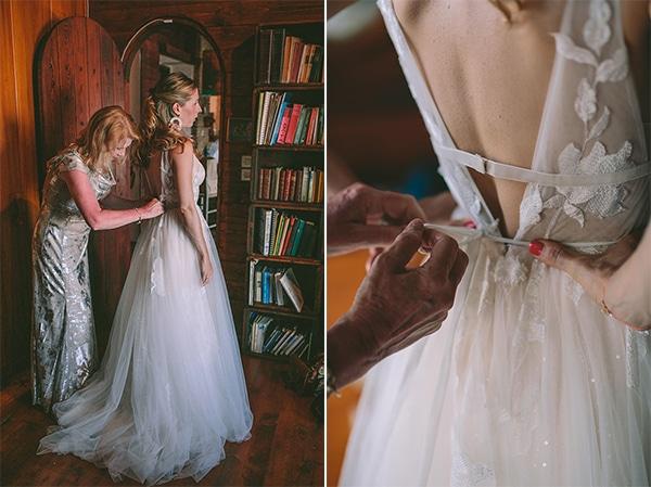 dreamy-destination-wedding-greece-vibrant-pops-bougainvillea-blossoms_10A