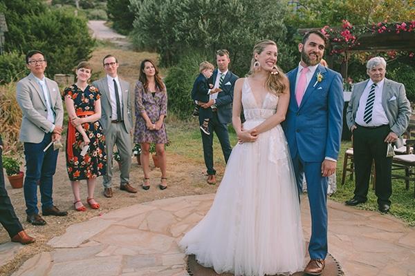 dreamy-destination-wedding-greece-vibrant-pops-bougainvillea-blossoms_20