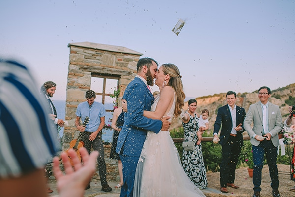 dreamy-destination-wedding-greece-vibrant-pops-bougainvillea-blossoms_26