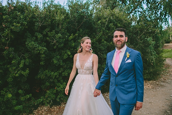 dreamy-destination-wedding-greece-vibrant-pops-bougainvillea-blossoms_27x