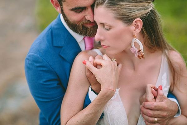dreamy-destination-wedding-greece-vibrant-pops-bougainvillea-blossoms_34