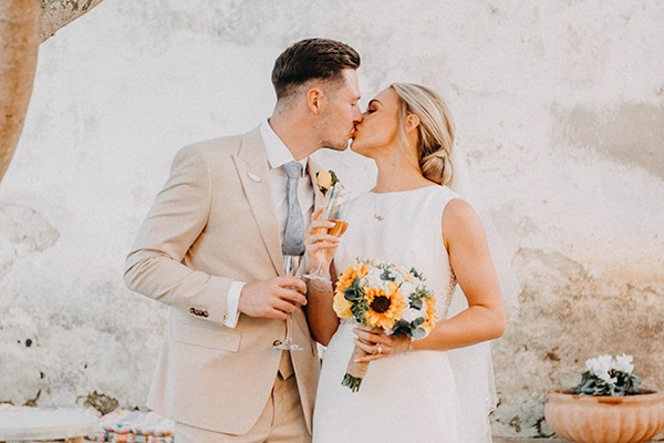 intimate-destination-wedding-corfu-sunflowers-rustic--flair_04