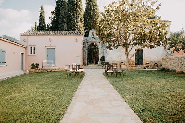 intimate-destination-wedding-corfu-sunflowers-rustic--flair_06