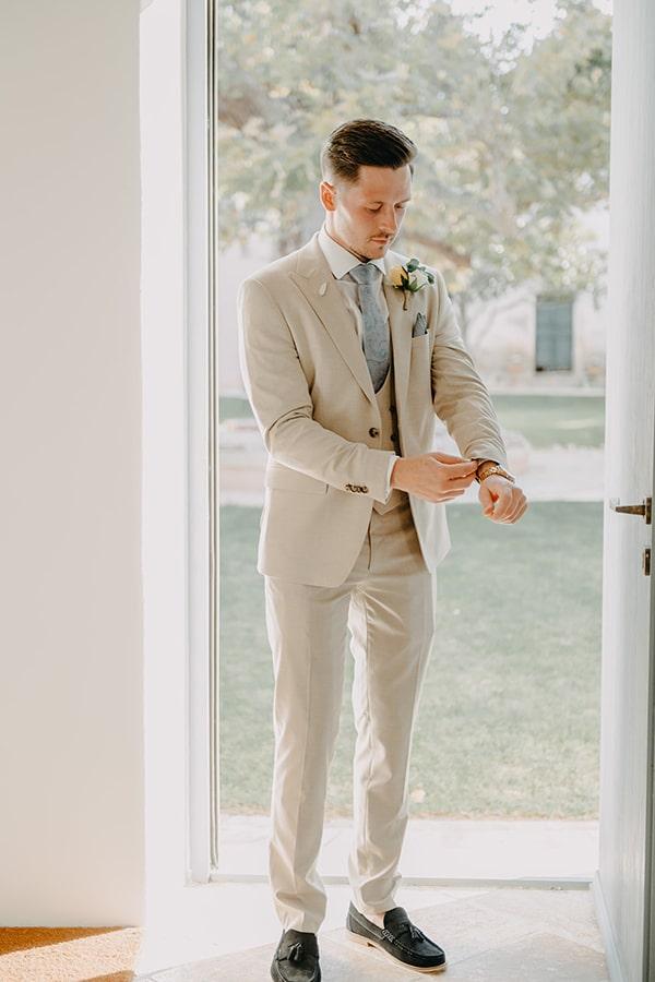 intimate-destination-wedding-corfu-sunflowers-rustic--flair_14