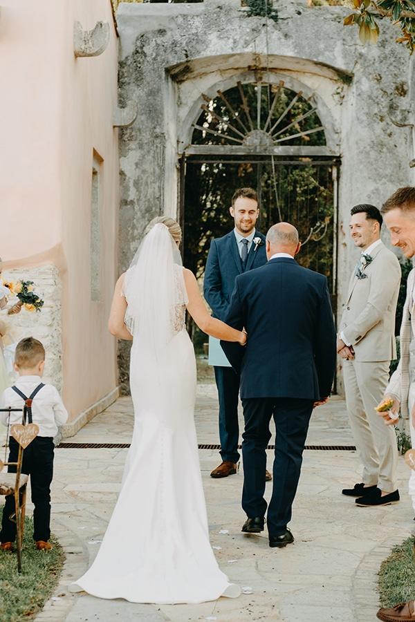 intimate-destination-wedding-corfu-sunflowers-rustic--flair_17