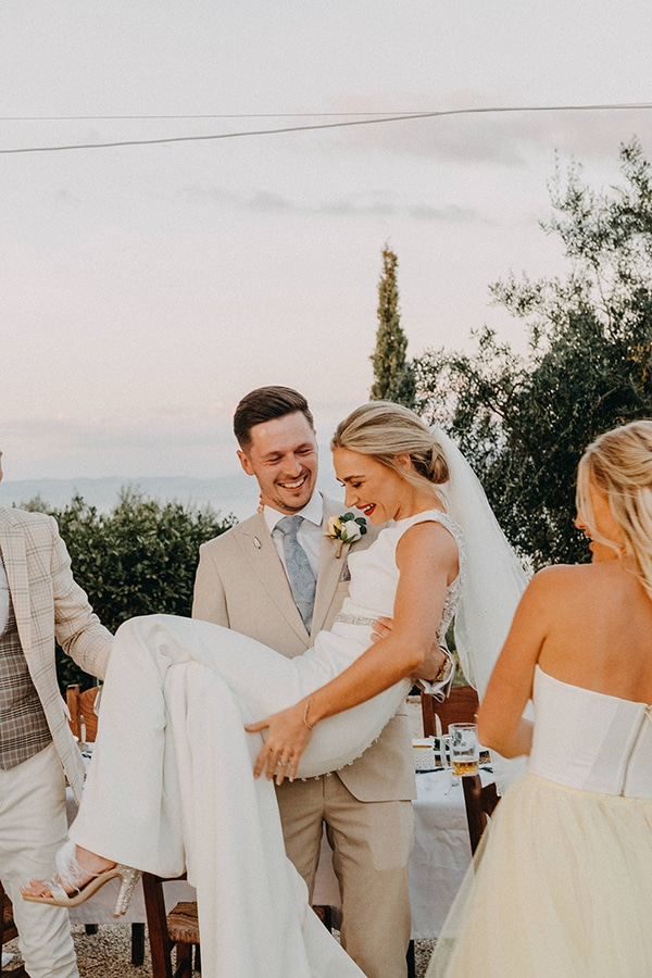 intimate-destination-wedding-corfu-sunflowers-rustic--flair_31