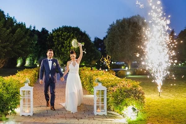 romantic-gardenwedding-athens-peonies-baby-breaths_13