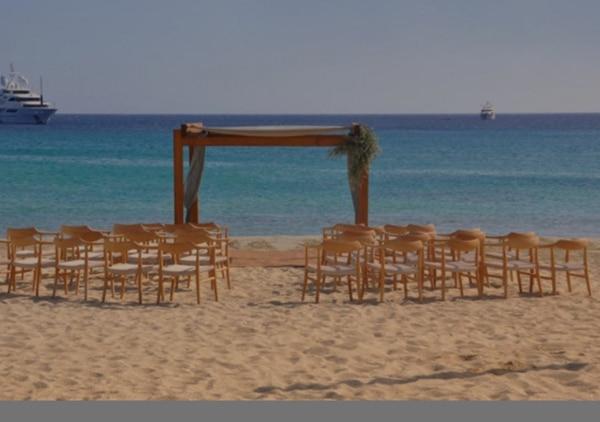 idyllic-wedding-venue-shore-aegean-sea_05