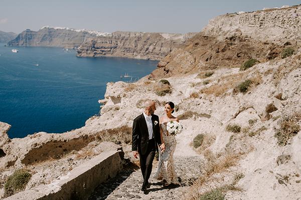 intimate-wedding-santorini-romantic-blooms-fairy-lights_01