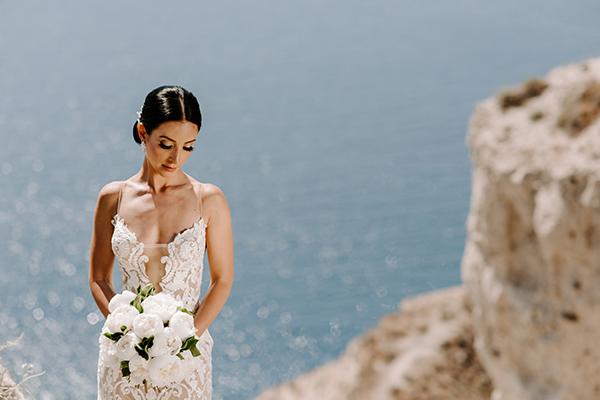 intimate-wedding-santorini-romantic-blooms-fairy-lights_01x