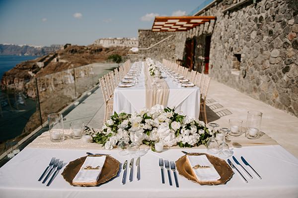 intimate-wedding-santorini-romantic-blooms-fairy-lights_10