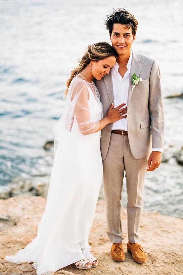 summer-destination-wedding-antiparos-fuchsia-boungainvilea_01