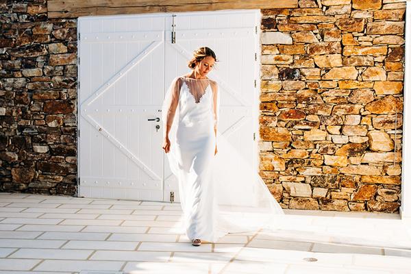 summer-destination-wedding-antiparos-fuchsia-boungainvilea_11