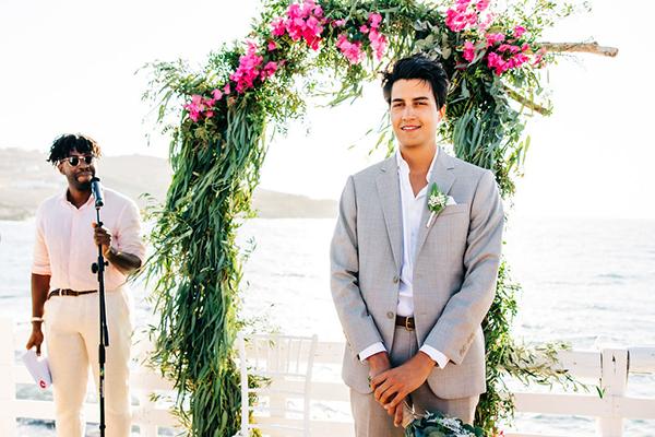 summer-destination-wedding-antiparos-fuchsia-boungainvilea_19